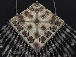 Central-Asia Turkmen-tekke antique ethnic tribal silver necklace gonchuk fire gilded with cornalian all stone on the writting İslamic for-goodluck İskendery design Very fine condition ! Circa-1900 Size : ''30cm x 22cm'' -  ...