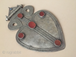 Central-Asia Turkmen-Ersary Antique Tribal Silver Pendant Asyk with cornalian and turquoise very fine condition! Circa-1900 Size : ''31.5cm x 17.5cm'' - Weight : 676 gr Thank you for visiting my rugrabbit store  ...