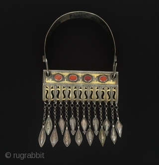 Central-Asia Ethnic Turkmen A beautifull tribal silver necklace fire gilded with cornalian Best condition ! Circa - 1900 Size - Height with hanger : 28.5 cm - Height : 14.5 cm -  ...