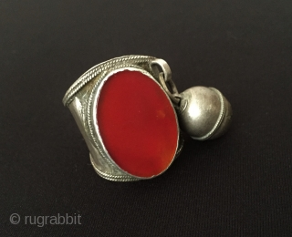 Central-Asia Turkmen a beautifull vintage tribal silver ring with cornalian Great condition ! Circa - 1900 Size : '' 24 x 64 '' - US : '' 10.5 '' - Weight :  ...