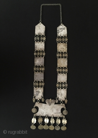 Central-Asia Yomud-Turkmen collectible tribe silver necklace gold washed with glass Excellent condition ! Circa - 1900 Size : Lenght with chain : 57 cm - Height without chain : 47 cm -  ...