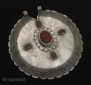 Central-Asia Ethnic Turkmen-Ersary vintage tribal gulyhaka pendant with cornalian original turkmen jewelry-jewellery Fine condition ! Circa - 1900 or earlier Size - ''15.5 cm x 15 cm'' - Circumference : 48 cm  ...