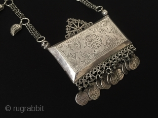 Central-Asia Turkmen A beautifull antique traditional silver necklace with old afghan silver coins fire gilded original ethnic tribal turkmen / turkoman jewelery - jewellery collector piece. Good condition ! Circa - 1900  ...