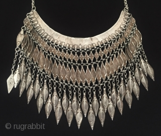 Central-Asia Turkmen-Ersary ethnic traditional silver wedding and engagement necklace with cornalian Fine condition ! Circa - 1900 Size - With chain lenght : 43 cm - Height : 15 cm - Width  ...