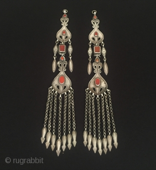 Central-Asia A pair of Turkmen-ersary ethnic traditional silver headdress jewelry with cornalian Great condition ! Circa - 1900 or earlier Size - Height : 31.5 cm - Width : 4.5 cm -  ...
