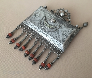 Antique tribal jewelry Turkmen old silver amulet pendant handcarved with coral.Very fine condition ! Circa - 1900 Size - Height : 14 cm - Width : 10.5 cm - Weight : 150  ...