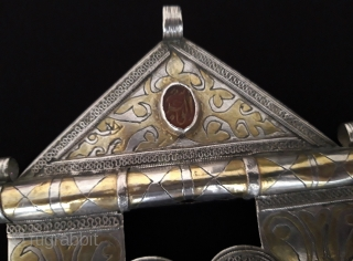 Central - Asian Antique Turkmen ethnic traditional double-heart silver pendant fire gilded with cornalian and on the stone writing for İslamic good-luck. Excellent condition ! Circa - 1900 Size - Height :  ...