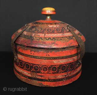 Central-Asia Afghanistan-Noristan antique wooden spice box natural color original art Noristan old fig tree wood Circa - 1900 or earlier Size - Height : 20 cm - Circumference : 81 cm Thank  ...