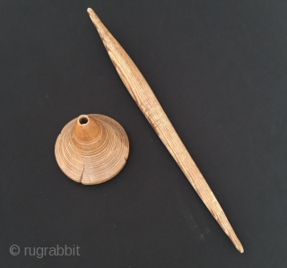 Anatolian vintage old hand carved wooden drop spendle Size - Lenght : 37 cm - Thnickness : 9 cm - Circumference : 28.5 cm Thank you for visiting my Rugrabbit store.