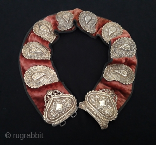 Central - Asian Rare ! Antique Turkmen-Yomud ethnic traditional tulip and flowers patterned silver belt fine fire gilded with velvet This is a collector unique silver belt original ethnic Turkmen art jewelry  ...