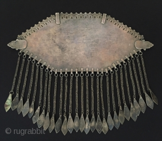 Central-Asia Antique Turkmen-Tekke silver tassel necklace (Gonchuk) fire gilded with cornalian original ethnic tribal Turkoman jewelry / jewellery This is a collection piece. Fine condition ! Circa - 1900 Size - Height  ...