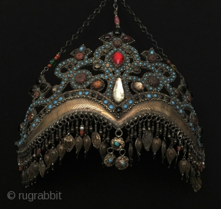 Central-Asia Antique A beautifull Uzbekistan-Semerkand-bokhora traditional silver crown fire gilded turquoise and with gemstone Great condition ! Circa - 1900 or earlier Size - Height with chain : 22 cm - Height  ...