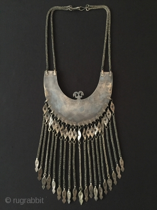 Central-Asia Antique Turkmen-Ersary ethnic traditional silver tassel necklace Talismanic design with turquoise Great condition ! Circa - 1900 Size - Lenght with chain : 51 cm - Height : 25 cm -  ...