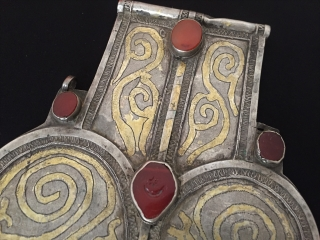 Central-Asia Antique Turkmen-tekke a beautifull original patina ethnic traditional silver pendant (Asyk) gilded with old cornalian This is Turkmen collector piece Circa - 1900 or earlier Size - Height : 26 cm  ...