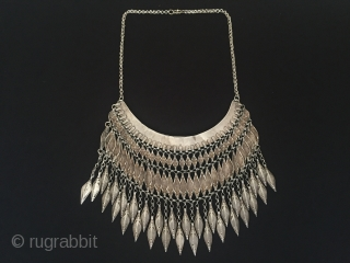 Central-Asia Afghanistan Antique traditional silver tassel necklace with cornalian very nice condition Circa-1900 With Chain Height ''43'' - Height ''15'' - Width ''18''cm - Weight : 198 gr Thank you for visiting  ...