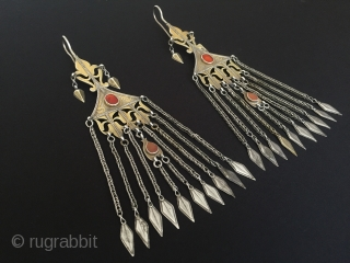 Central-Asia Turkmenistan tekke (İskendery desing) Antique on the beautifull working silver collection tribal earrings with cornalian fire gilded original ethnic turkmen jewelry excellent condition Circa-1900 Height ''24'' - Width ''6''cm - Weight  ...
