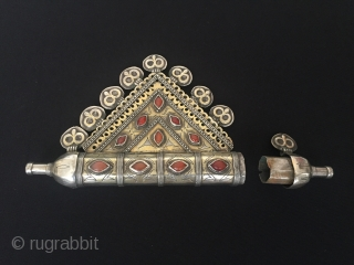 Central-Asia Turkmen-Tekke Antique Silver Pendant (Tumar) with cornalian fire gilded Very nice condition Circa-1900 Height''10.5'' - Lenght''18''cm - Weight : 227 gr Thank you for visiting my rugrabbit store !