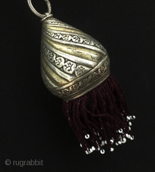 Central-Asia Ethnic Turkmen silver necklace with tassel fire gilded original tribal jewelry Fine condition ! Circa - 1900 Size - Lenght with tassel : 52 cm - Height : 12 cm -  ...
