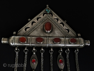 Central-Asia Turkmen-Ersary (Ak-Tumar) Antique Tribal Silver Tumar Pendant with cornalian and turquoise very fine condition two pieces of glass in the tassel  Circa-1900 Size : '19.5cm x 15cm' - Weight :  ...