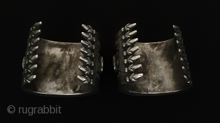 Central-Asia A Pair Kazakhistan Antique Silver beautifull cuff bracelets.Original Ethnic Traditional Jewelry Excellent condition Circa-1900 Size : ''6.5cm x 7.5cm'' - Weight : 340 gr Thank you for visiting my rugrabbit store!  ...