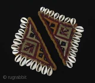 Central-Asia A pair of Turkmen talismanic embroidery amulet Size - Lenght : 16 cm - Height : 8 cm Thank you for visiting my rugrabbit store !