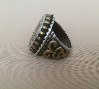 Central-Asia Antique Turkmen - yomud round silver ring with old gold washed Good condition ! Circa - 1900 or earlier Size - 21 x 61 - US : 9 Thank you for  ...