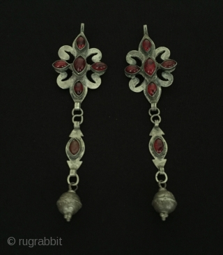 Central-Asia A pair of Turkmen tribal silver earrings with gemstone Good condition ! Circa - 1920 - 40 Size - Height - 13 cm - Width - 3.3 cm - Weight -  ...