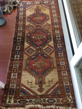 Classic Serab runnner, 292 cm x 91 cm. Dated and narrow. Only natural dyes and as found. Inexpensive!