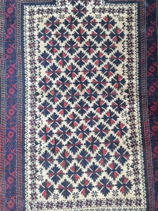 Cool Baluch prayer rug! Lots of colours and precise drawing. 151 cm x 83 cm. Some Kelim left on the ends.