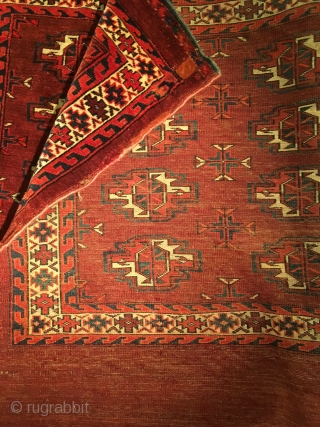 Elegant Karadashli Chuval (Yomud) with saturated natural dyes. 107 cm x 73 cm.