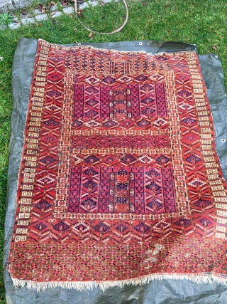 Great Tekke Ensi with unusual design. 170 cm x 140 cm. It is washed (no colour run).