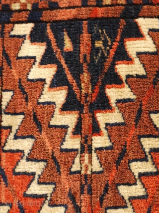 tasty Yomud Ok bash full pile ca 1880 missing triangles but great wool and colour size 50 x 50 cm  just cleaned