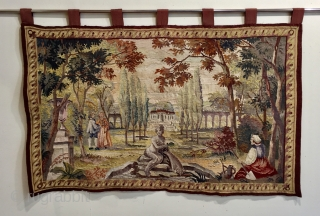 Nice little Tapestry silk and wool size 1 m x 63 cm very good condition has been hung. 
