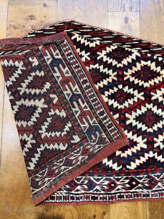 Antique yomud Asmalyk ca 1880 fresh from a good private collection. All wool natural dyes excellent condition size is 115 x 70 cm