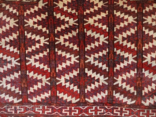 Rare seven sided Yomut asmalyk, circa 1900, inorganic dyes, excellent conditionSOLD