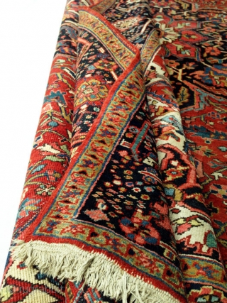 beautiful Heriz carpet Age: approx 1920 size. 350 x 265 cm