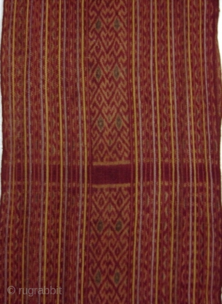 Shawl, selendang, Belu Manulea/West Timor/Indonesia, ca. 1950 Long  shawl, fine handspun cotton, soft brwonish colours, natural dyes, layout in warp stripes, fine geometrical ikat pattern, fine weft twining on both ends, nicely  ...