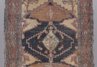 """Senneh or Bakhshaish rug. 5'7"""" x 3'11""""."""