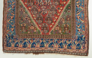 A gorgeous and rare Kahskuli Qashqai in near perfect condition. Late 19th century . Has a bit of artificial dye at the top. Not the finest type for a Kashkuli but very  ...