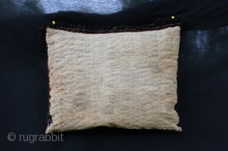 Beautiful Ersari bag , perfect condition . Late 19 century , size 45/55 cm .