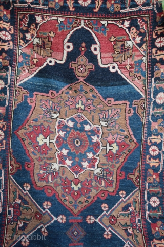 Wonderful Taspinar runer with mihrab design. 