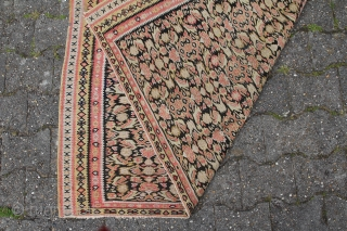 Senneh Kelim Persian circa 1880 antique with signs of age and wear Sitze: 188 x 179 cm