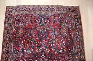 Sarugh Persian around 1930 Wool on cotton very good condition Size: 144 x 104 cm