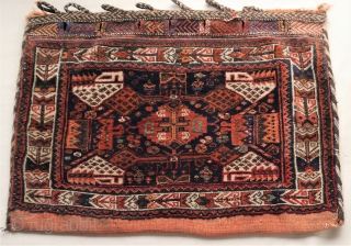 Attractive Afshar bag with wonderful colors, full pile, good condition apart from some hardly noticeable moth spots. the colors look natural to me. Closing sytem intact. 