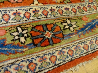ANTIQUE 1880's GREEN BORDER SARUK FARAHAN OR SERAPI RUG