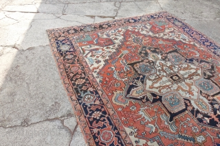 Antique Heriz, finer then the usual, USA:  10'2 x 7'6  / EUROPE 312 x 233 cm, $2415 + ship $ 99