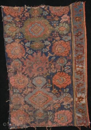 Ushak fragment, from around 1700, 68 x 102 cm, 2'3 x 3'4