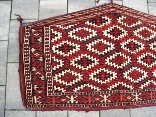 Antique Yomut Asmalyk in nearly mint condition. Very nice natural dyes with remarkable blues and blue-green. Only a couple of tiny moth bites, no holes (Pictures). No damages. Professionally cleaned. 