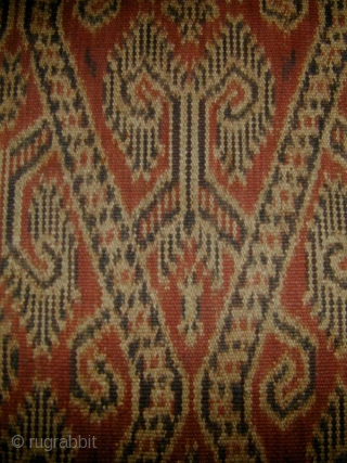 Borneo Woman's Warp-Ikat Skirt (Kain Kebat). Iban people, Sarawak. Early 20th c. Handspun cotton, natural dyes. 106 x 48 cms.