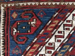 Azerbaijan. 3 Dragons in a whirl of snow and carnations. Khyzy village, north of Baku. Sumack khorjin bag face. Cm 41x43. Second half 19th century. Deep natural saturated colors. A rare, great/small  ...